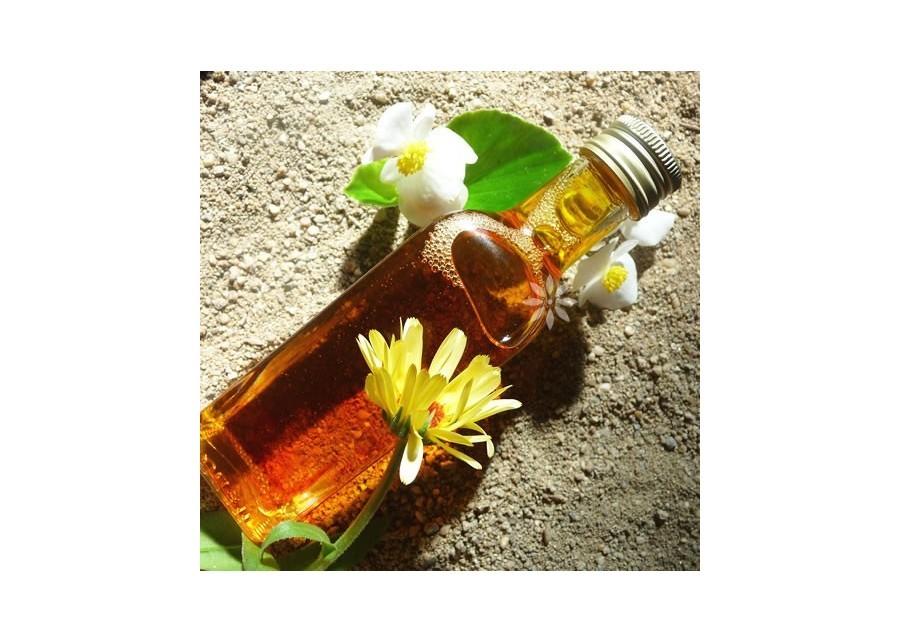 Aromatherapeutic massage oil, relaxing and calming