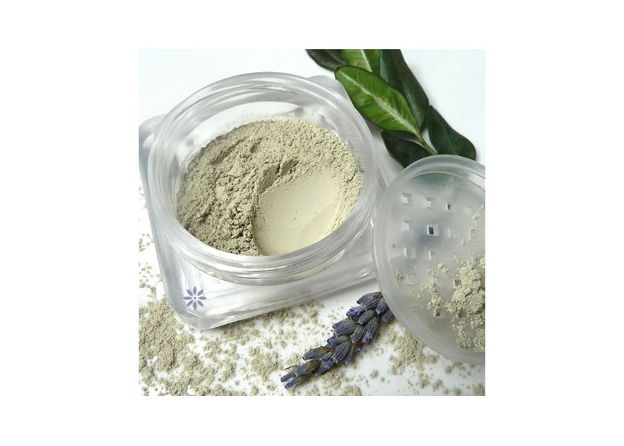 Powder for skin with imperfections, redness