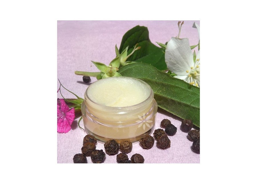Floral solid perfume