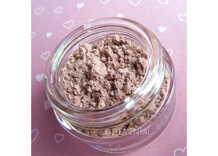 Illuminating and fragrant powder